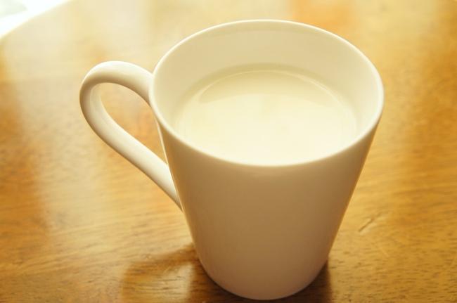 睡眠負債にはホットミルク